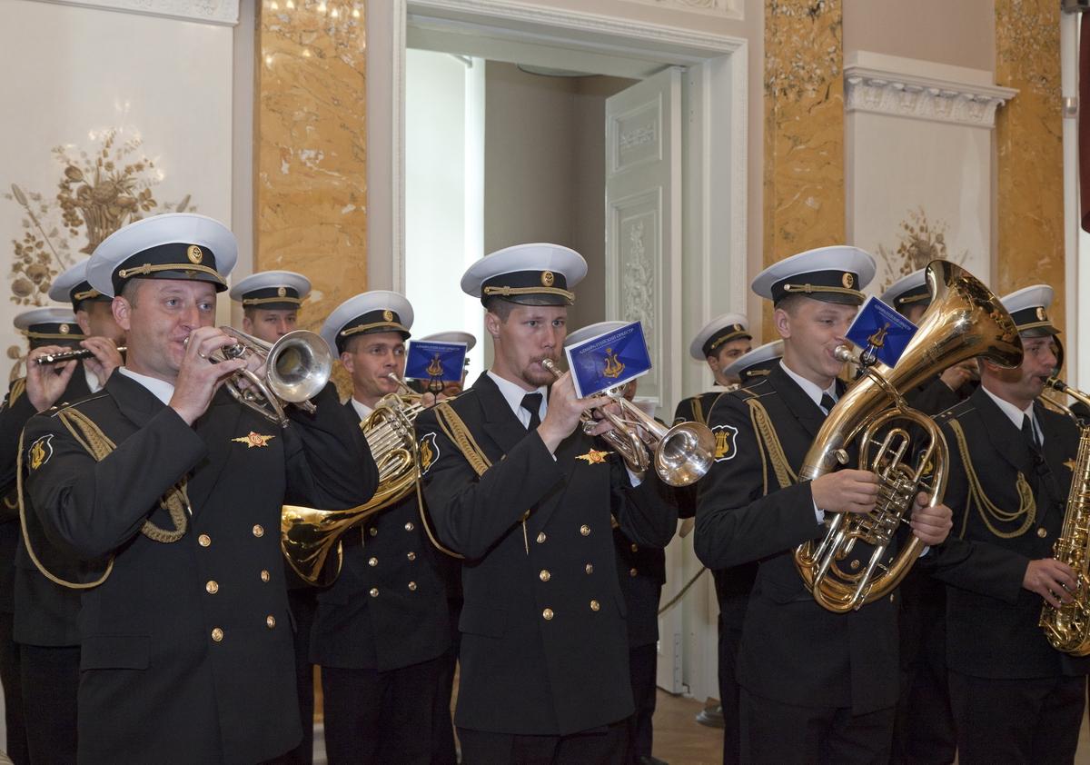 В честь Дня российской гвардии