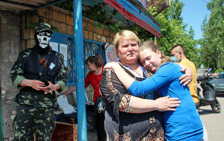 Блокпост на въезде в Донецк. Май 2014