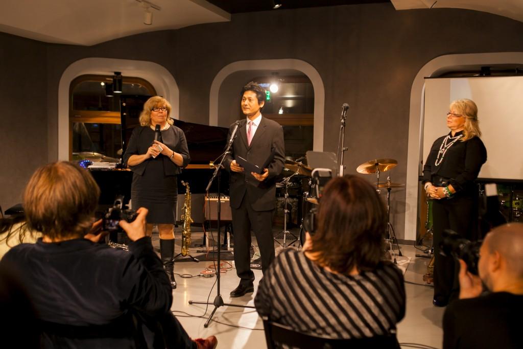 Генеральный директор компании Jamaha Music (Russia) Дзиро Охно и руководитель Артистического центра Jamaha в Москве Оксана Левко