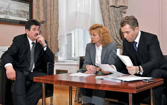 Светлана Агапитова и Павел Астахов на встрече с прокурором Санкт-Петербурга Сергеем Зайцевым, март 2010 г.