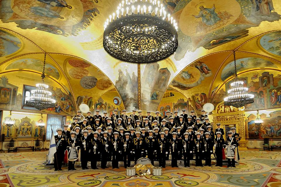 orkestr-v-granovitoj-palate